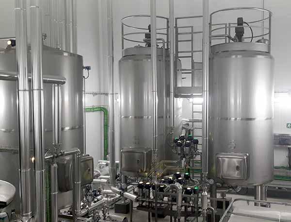 Depósitos en Acero Inox para Almacenamiento de Líquidos y Sólidos